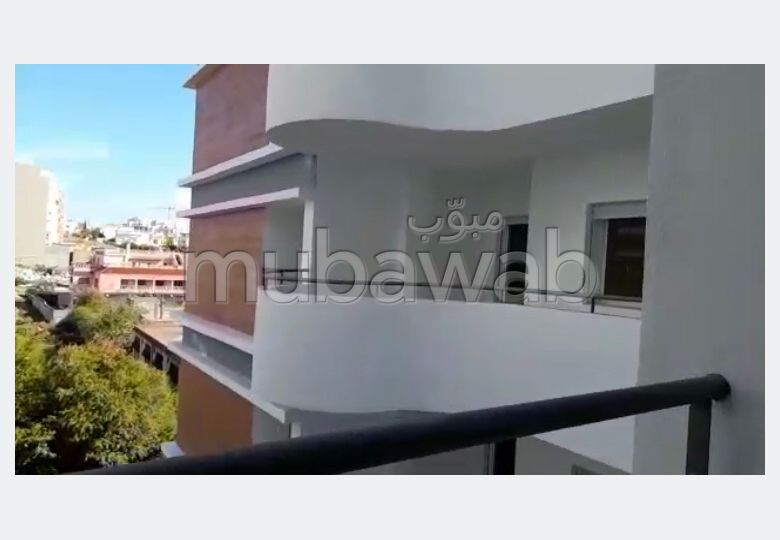 Sell apartment in Moujahidine. Small area 60 m². Green areas, No Lift.