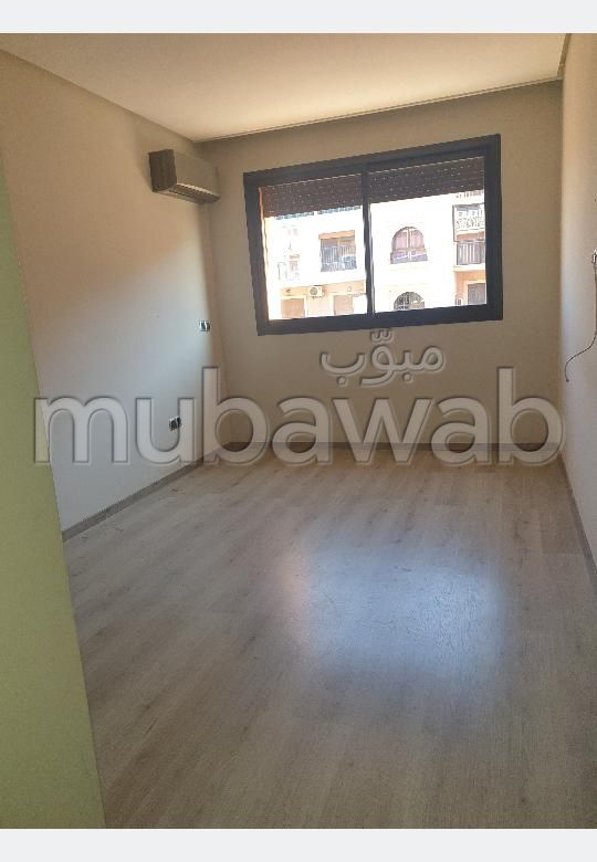 Apartment for rent in Route Casablanca. Large area 85 m². caretaker and air conditioning.