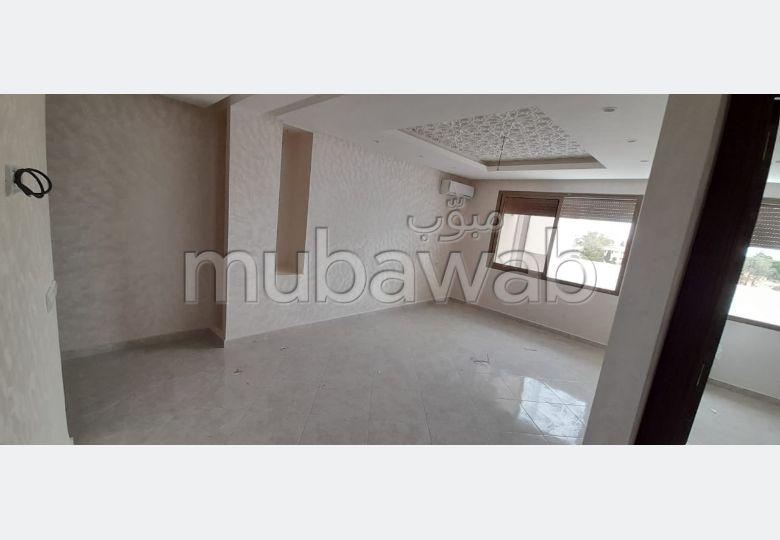 شقة للبيع ب معمورة. المساحة الإجمالية 96 م².