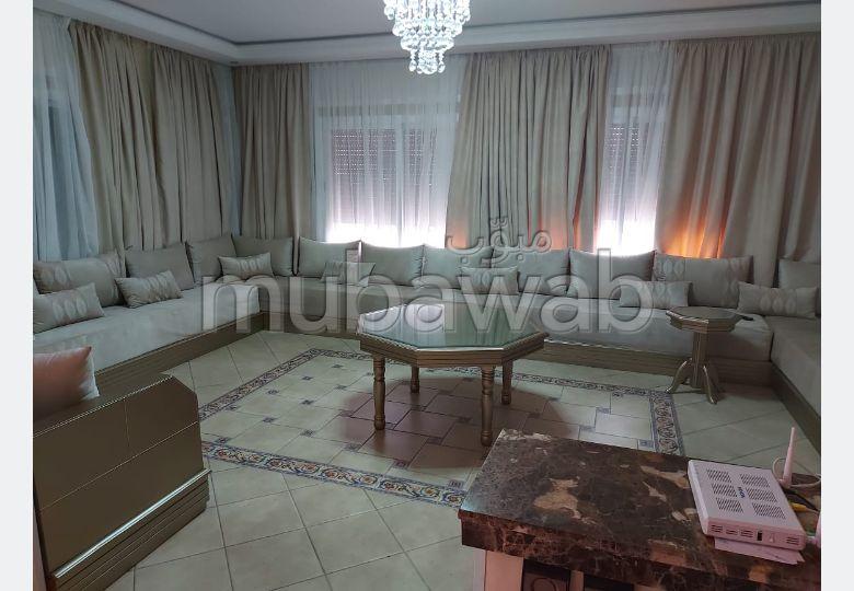 High quality villa for sale in Bella Vista. 7 rooms.