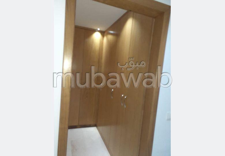 #A_Vendre: #des_Appartement à khzema Est