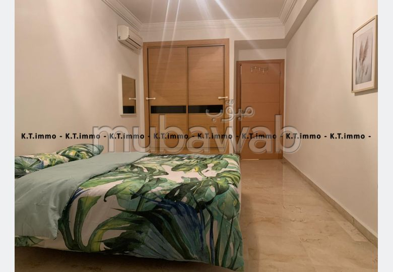 Bonito piso en alquiler en Quartier du Parc. Superficie 57 m². Mobiliario nuevo.