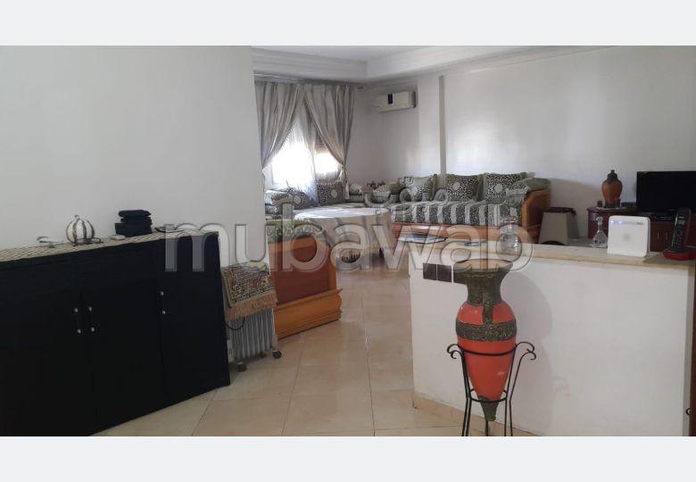 Piso en venta en Centre. Dimensión 171 m². Conserje disponible, aire condicionado general.