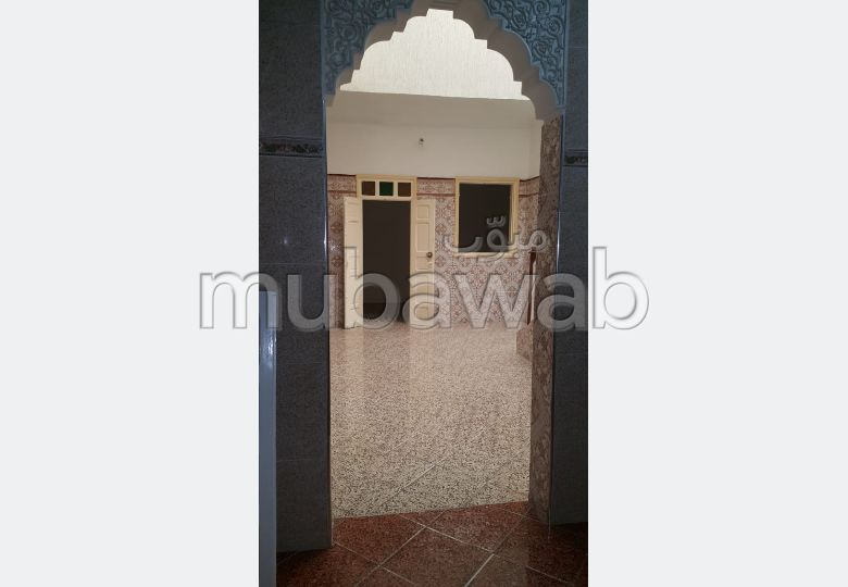 Se vende casa en Maamora. Área total 180 m².