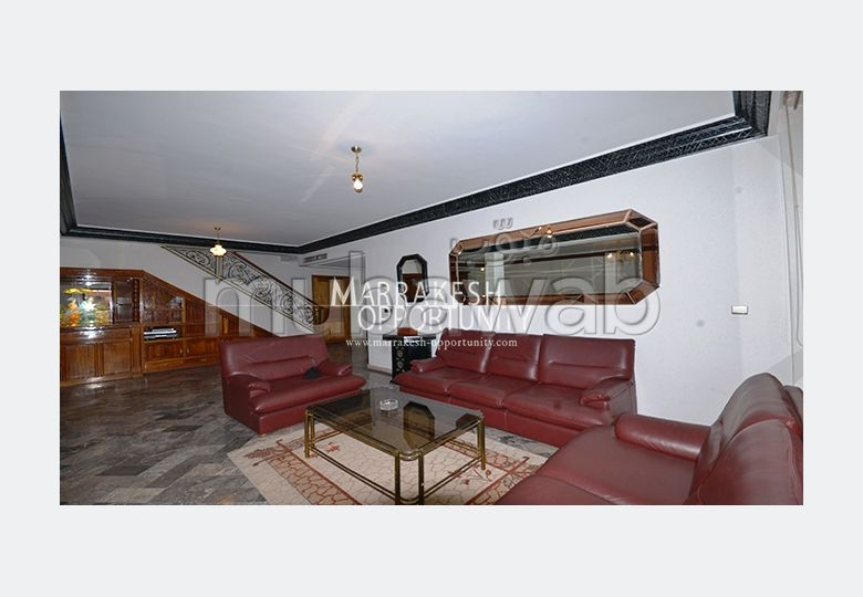Very nice apartment for rent in Hivernage. 4 comfortable rooms. Well equipped kitchen.