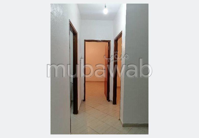 Se alquila este piso en Mhamid. Superficie 74 m².