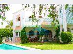 Luxury Villa for sale in Californie. Surface area 998 m². Green area.