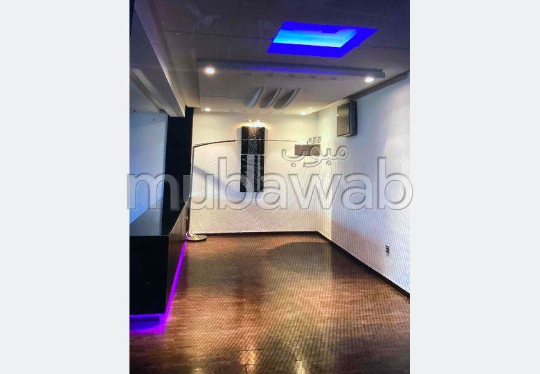Busca pisos en venta en Champ de course. 3 Sala común. Típico salón marroquí, residencia segura.