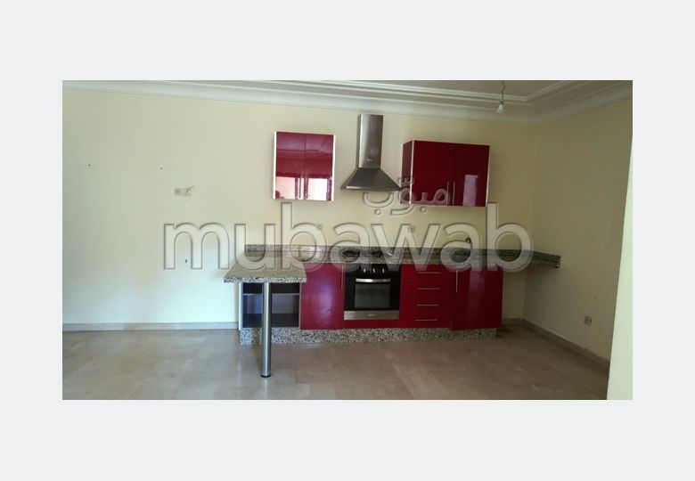 Rent an apartment in Guéliz. Area of 78 m². Fitted kitchen.