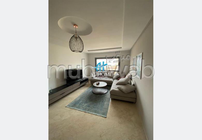 Piso en alquiler en Centre. Superficie 100 m². Bien decorado.