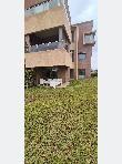 شقة جميلة للكراء بأكدال. المساحة 95 م². شرفة وحديقة.