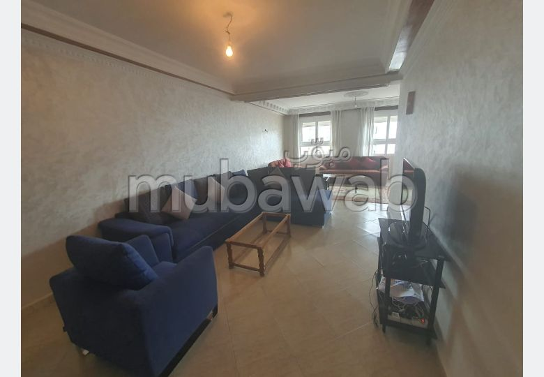 Rent this apartment in Centre. Large area 130 m². With Lift, Balcony.