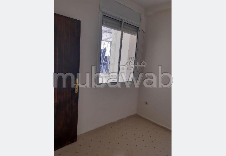 Bonito piso en venta en Hay Bensouda. Gran superficie 64 m².