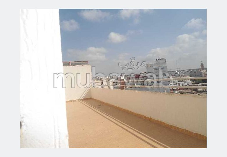 Sale of a lovely apartment in Centre. Total area 223 m². Traditional living room.