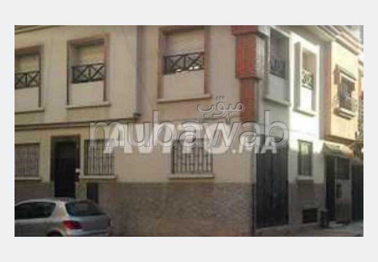 Se vende casa en Sidi Maarouf. Superficie 60 m². puerta de seguridad, antena parabólica general.