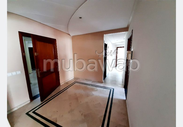 Apartment for sale in Plateau (Al Batha). Dimension 117 m². Lift and parking spaces.
