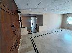 شقة للشراء ب حي البطحاء. 3 غرف جميلة. مع المرآب والمصعد.