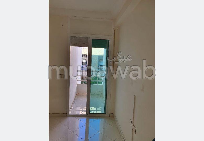 Magnífico piso en venta en Bir Rami Ouest. 3 Sala común. Antena parabólica, residencia segura.