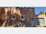 Casa en venta en Route de l'Ourika. Área total 300 m²;. Aparcamiento y balcón.