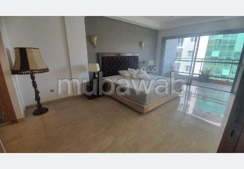 شقة للإيجار ب المدينة الجديدة. المساحة الكلية 120 م². مفروشة.