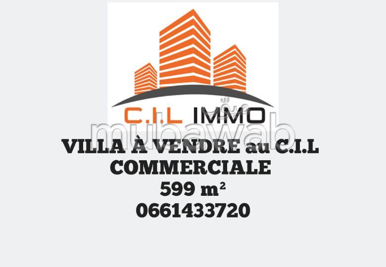 Villa Commerciale À Vendre au C. I. L 599 m²