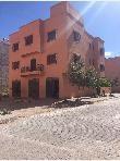 Casa en venta en Route de Safi. 9 habitaciones confortables. Salón marroquí amueblado, sistema de parábola general.