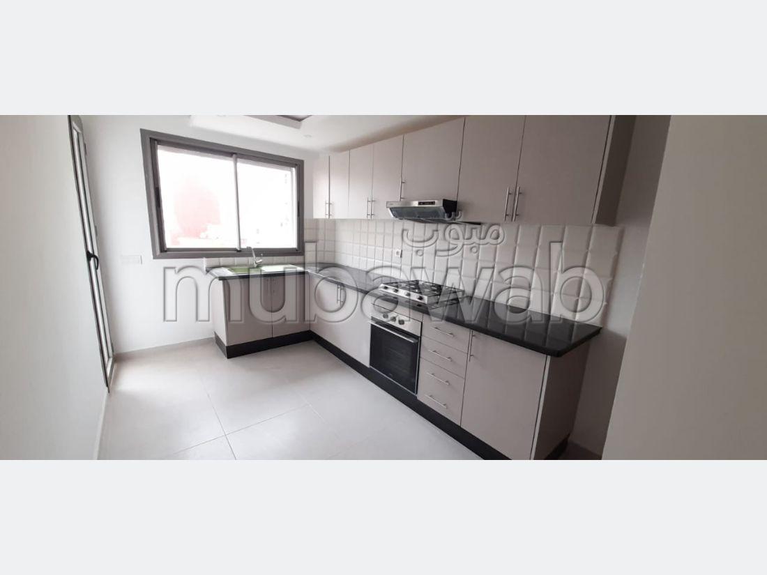 Magnífico piso en venta en Maamora. 3 Habitacion grande. Cocina totalmente equipada.