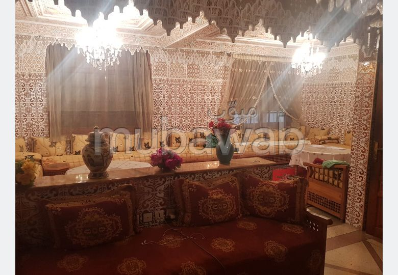 House to buy in Ain Chock. 5 Master bedroom. Carpark, Balcony.