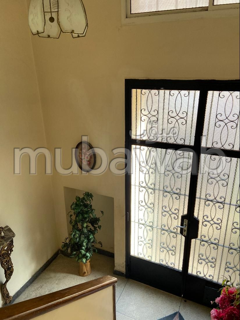 House to buy in Oulfa. Dimension 100 m². Large balcony.