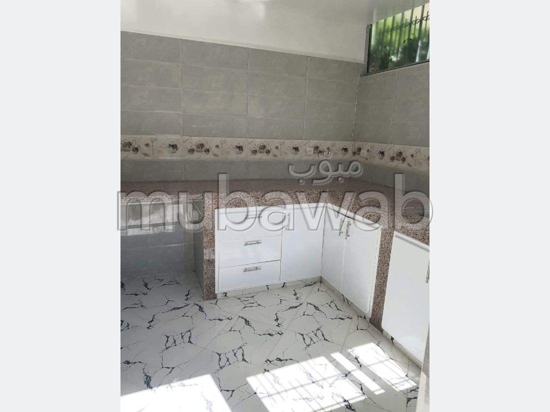 بيع شقة تقليدية على الطراز الفاسي بحي زازا فاس