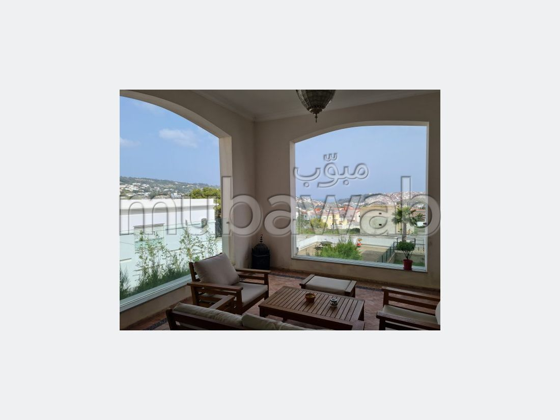 Fabulous house for sale. Area 430 m². Garage and terrace.