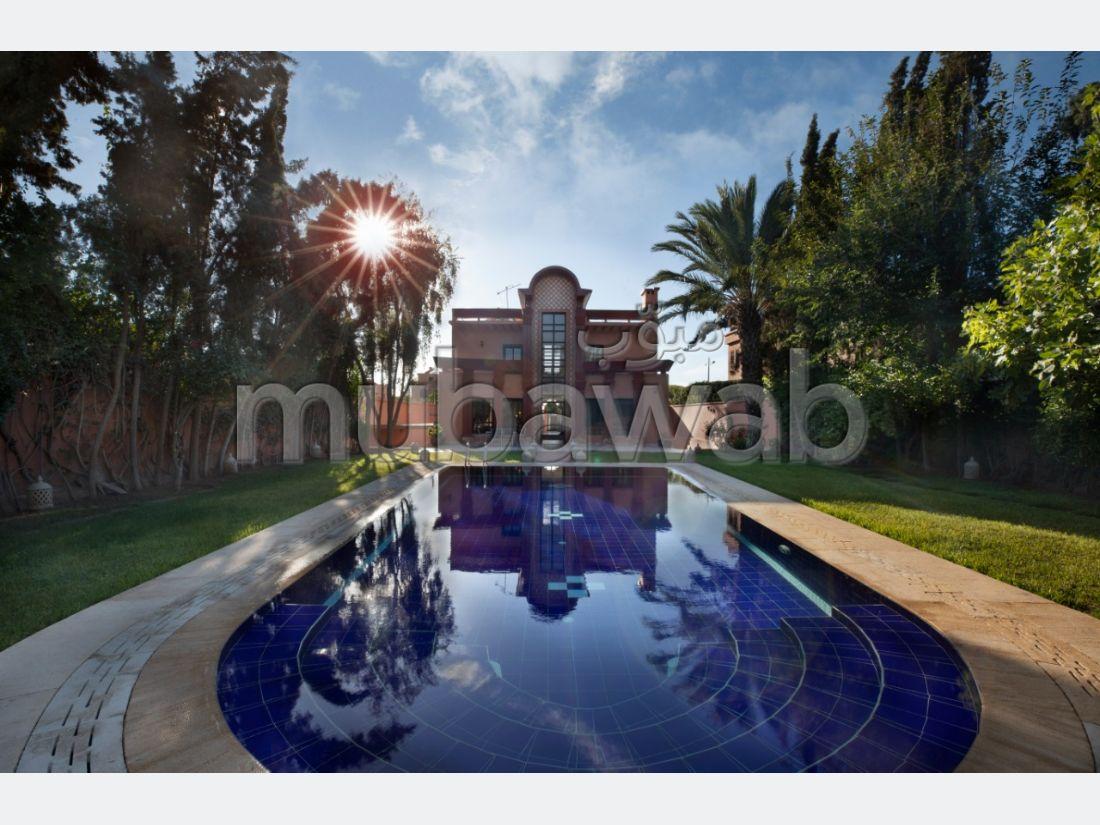 Somptueuse villa à louer à Hay Targa. Superficie 500 m²