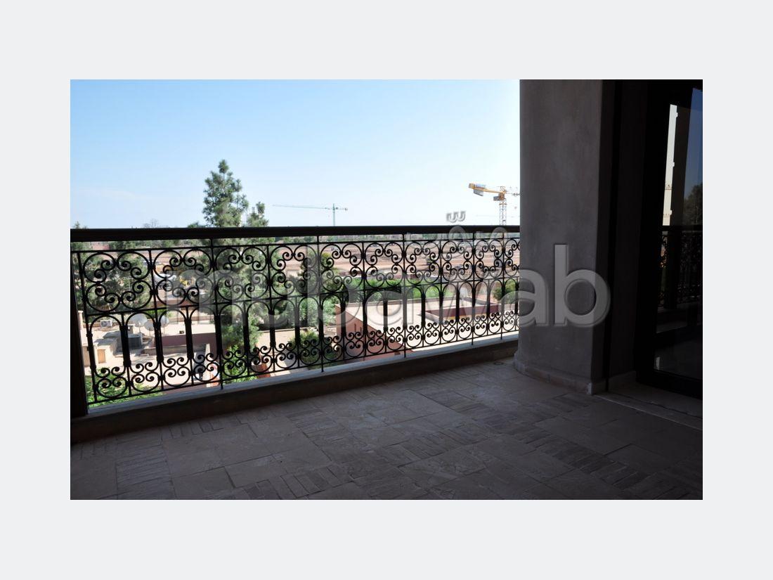 Très bel appartement en location à Guéliz. Surface totale 120 m²