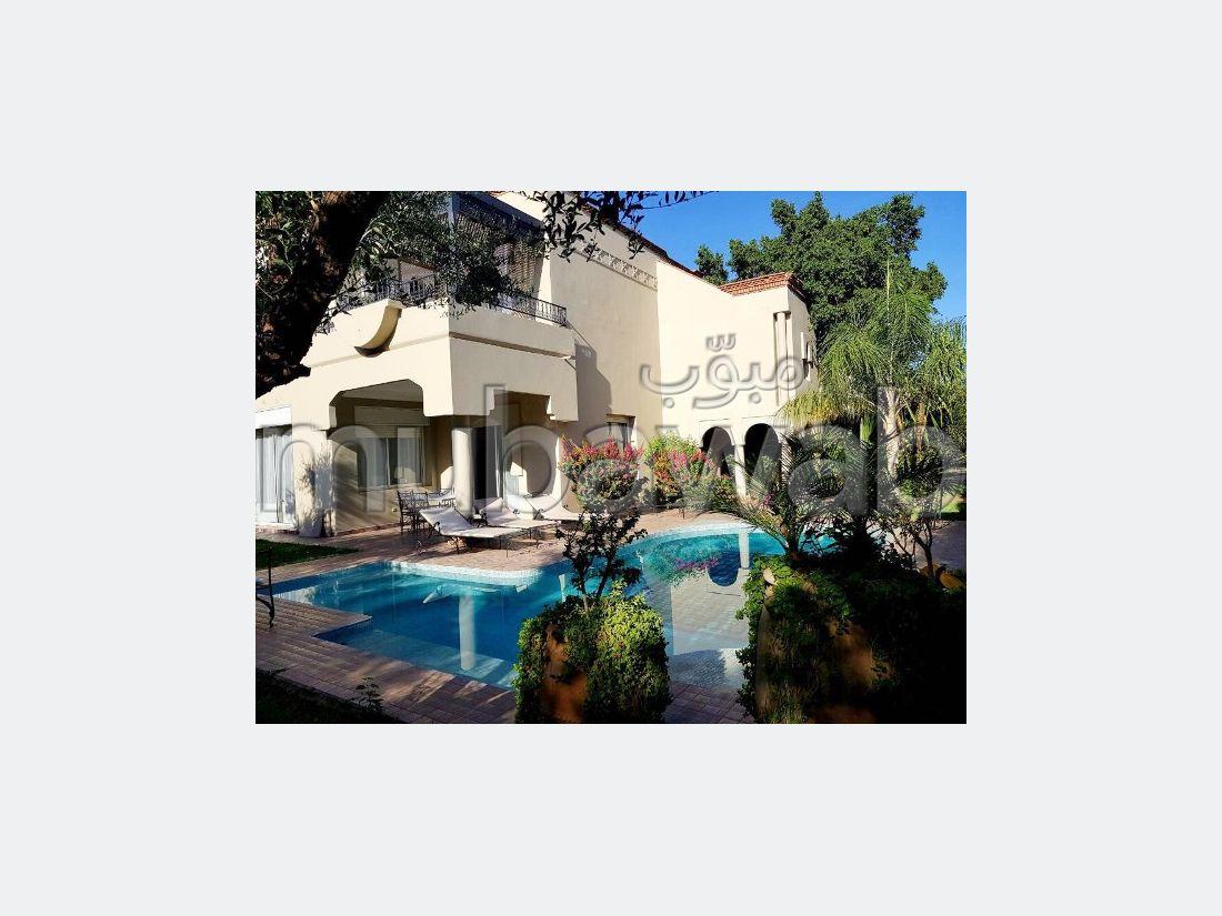 Superbe villa à louer à Route de Ouarzazate. Superficie 300 m²