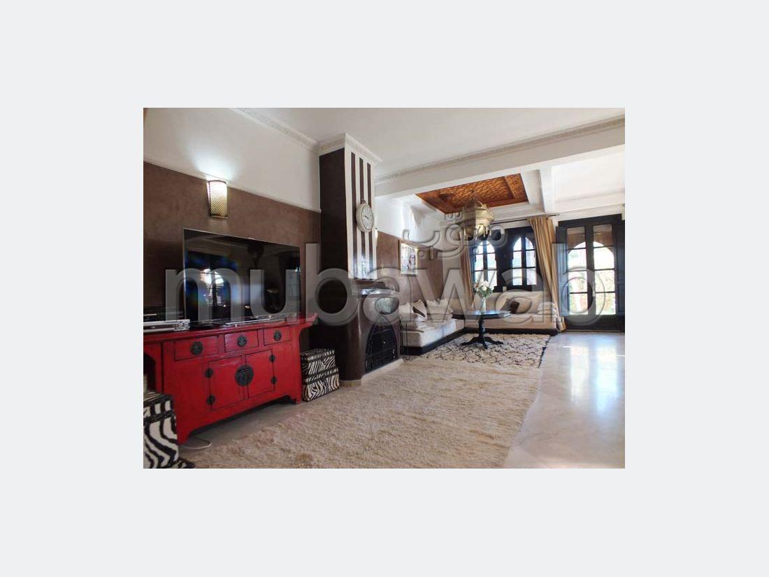 Maison de luxe à vendre à Ennakhil Palmeraie. Surface totale 280 m²