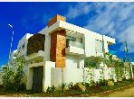 Se vende villa de lujo en Tanja Balia. 6 Estudio. puerta de seguridad, antena parabólica general.