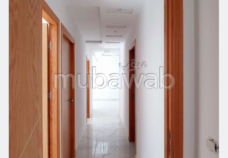 Apartment for sale in Moujahidine. Total area 114 m².