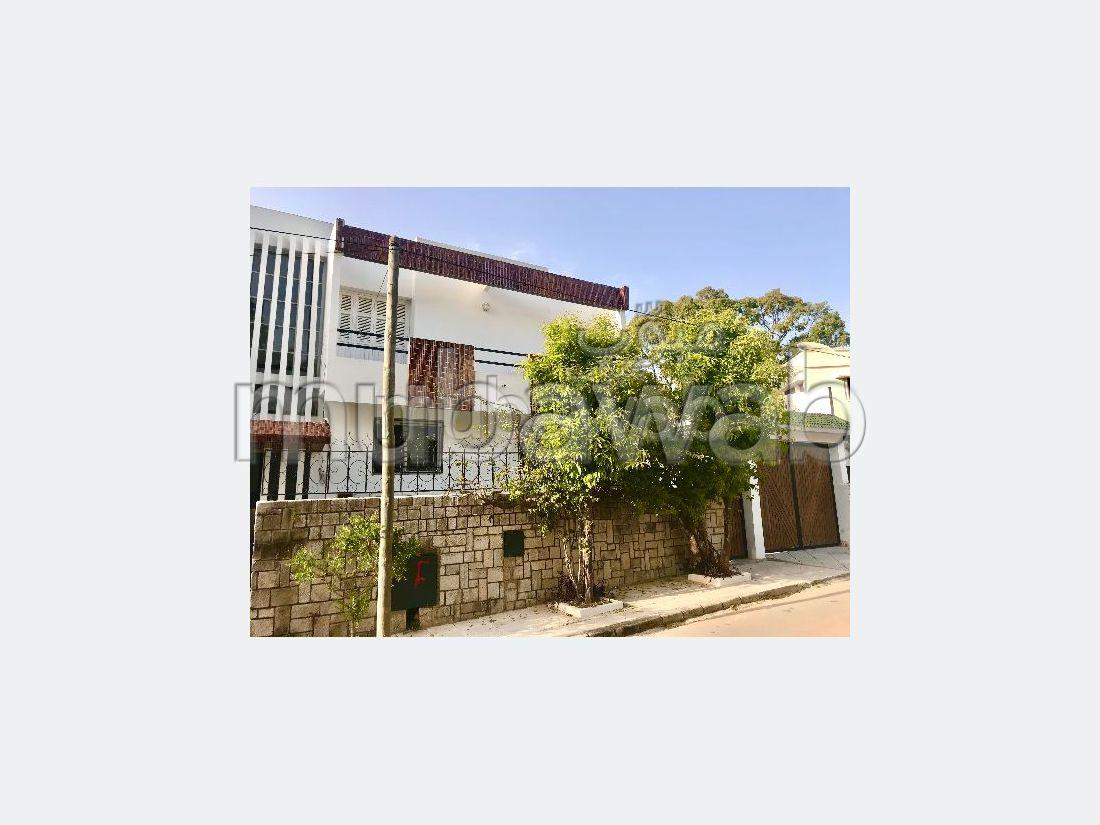 Villa de alto standing en alquiler en Californie. 5 Suite parental. Garaje y terraza.
