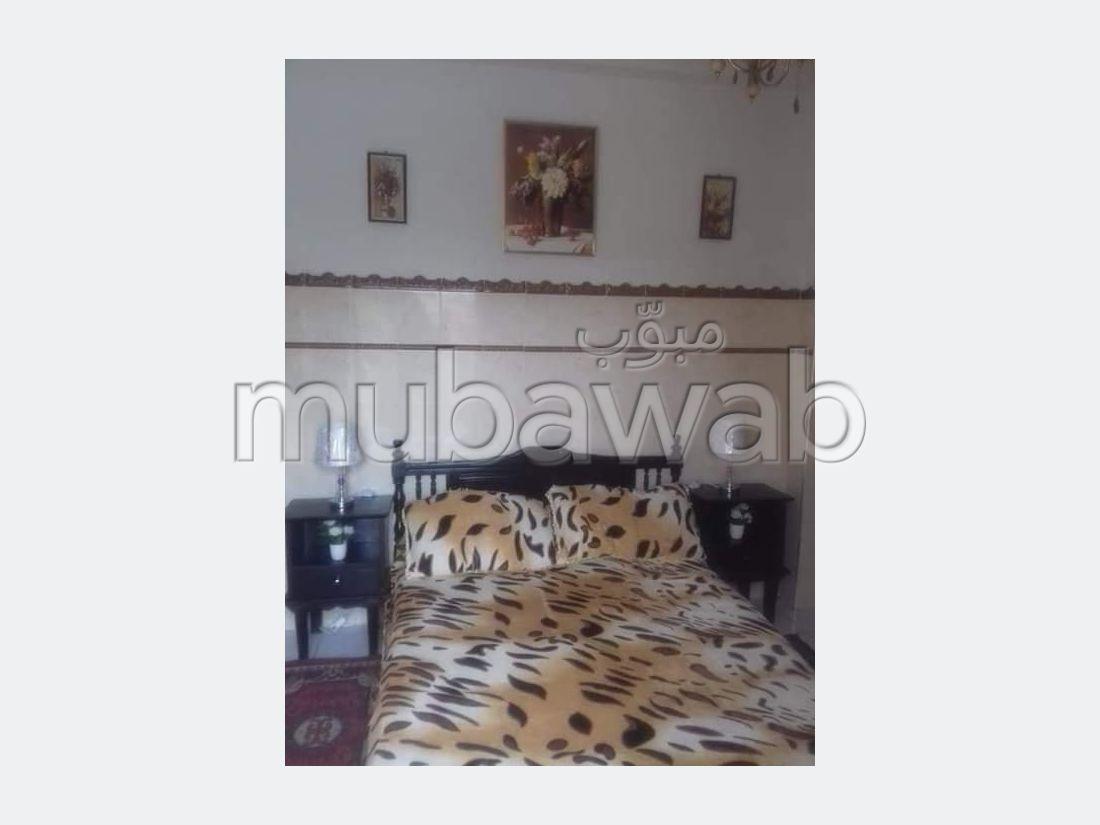 Appartement à l'achat à Al Aaroui. Surface totale 80 m². Salon Marocain et antenne parabolique