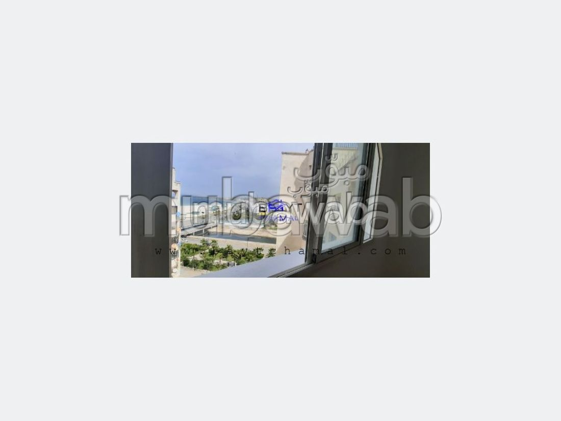 Beautiful apartment for sale in Tanger City Center. 3 living areas. Carpark and terrace.