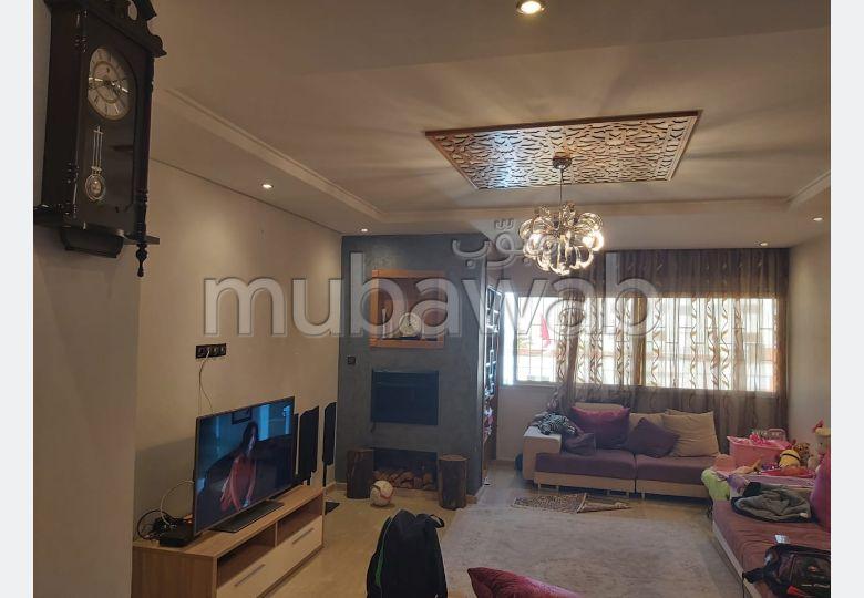 Vente d'un bel appartement en Hassan Centre Ville. 4 pièces. Cuisine bien équipée
