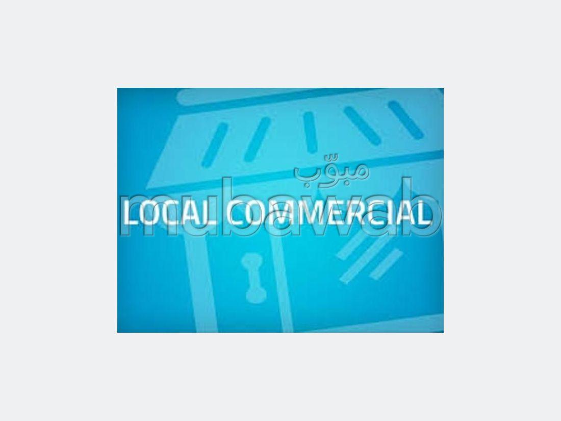 Oficinas y locales comerciales en venta en Centre. Área total 75 m²;.