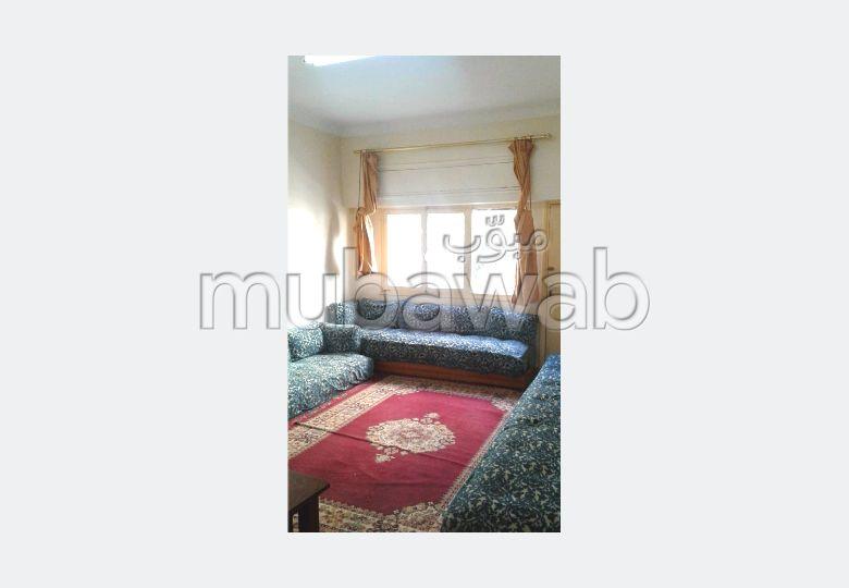 Busca pisos en venta en Nouvelle Ville. Superficie 154 m²;. Salón tradicional.