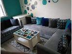 بيع شقة ب الملاح. 2 غرف جميلة. صالة تقليدية ونظام طبق الأقمار الصناعية