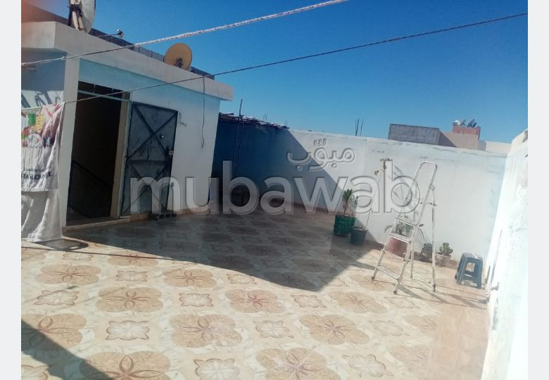 House to buy in Route Amizmiz. 7 Common room. Robust door, Traditional living room.