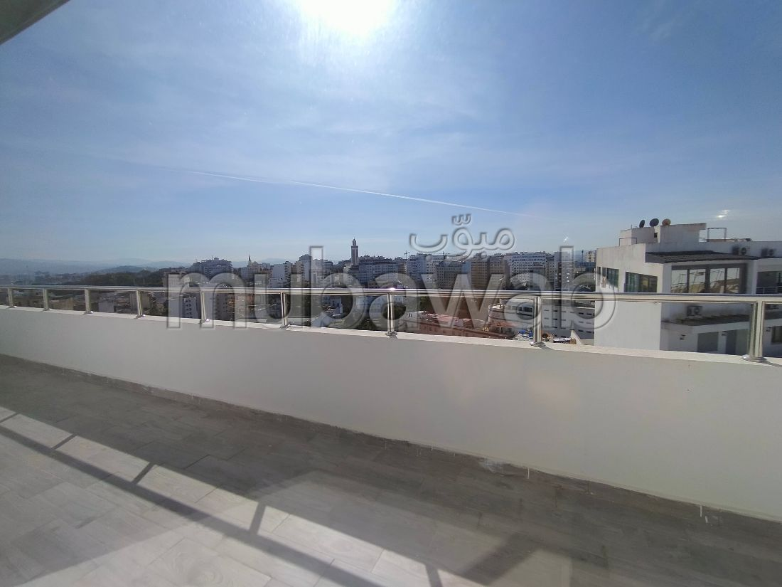 Find an apartment to buy in Marchan. Dimension 175 m². With lift and terrace.