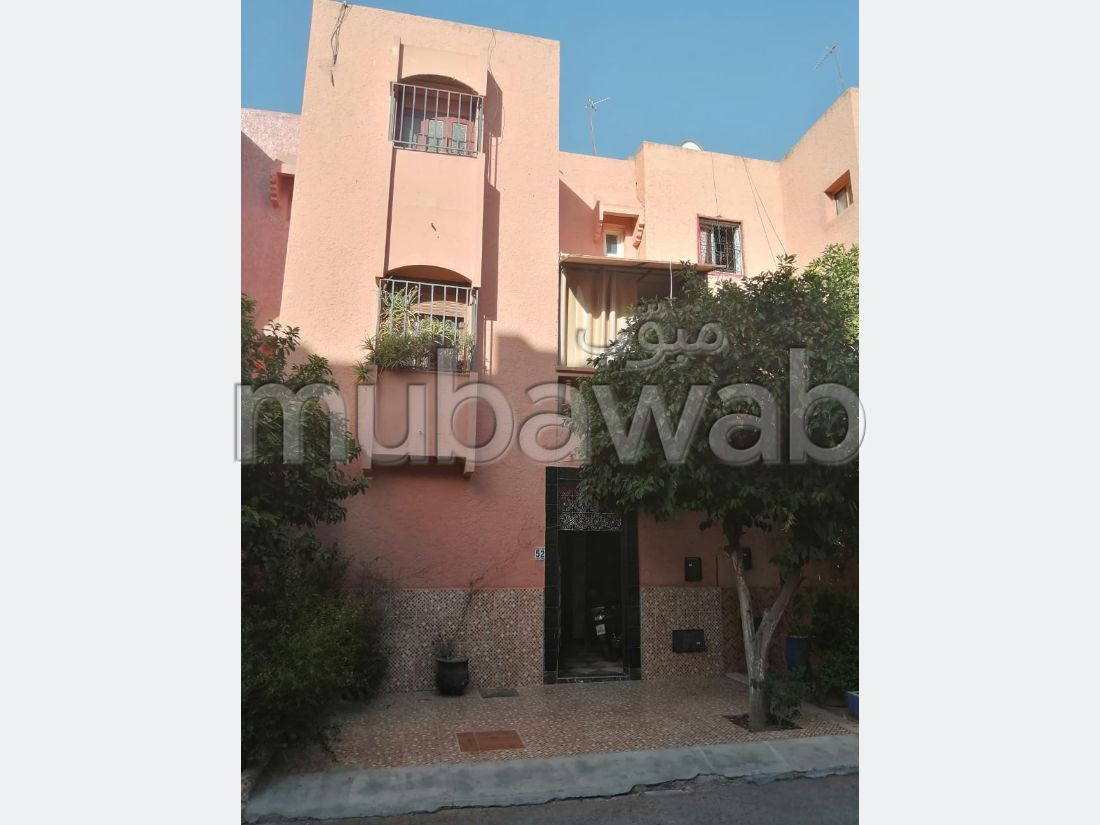 Home to buy in Daoudiat. 5 beautiful rooms. Beautiful terrace and garden.