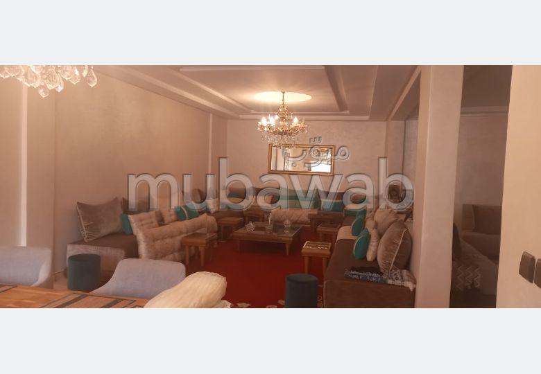 Appartement en vente à Kénitra. 3 belles chambres. Places de stationnement et terrasse