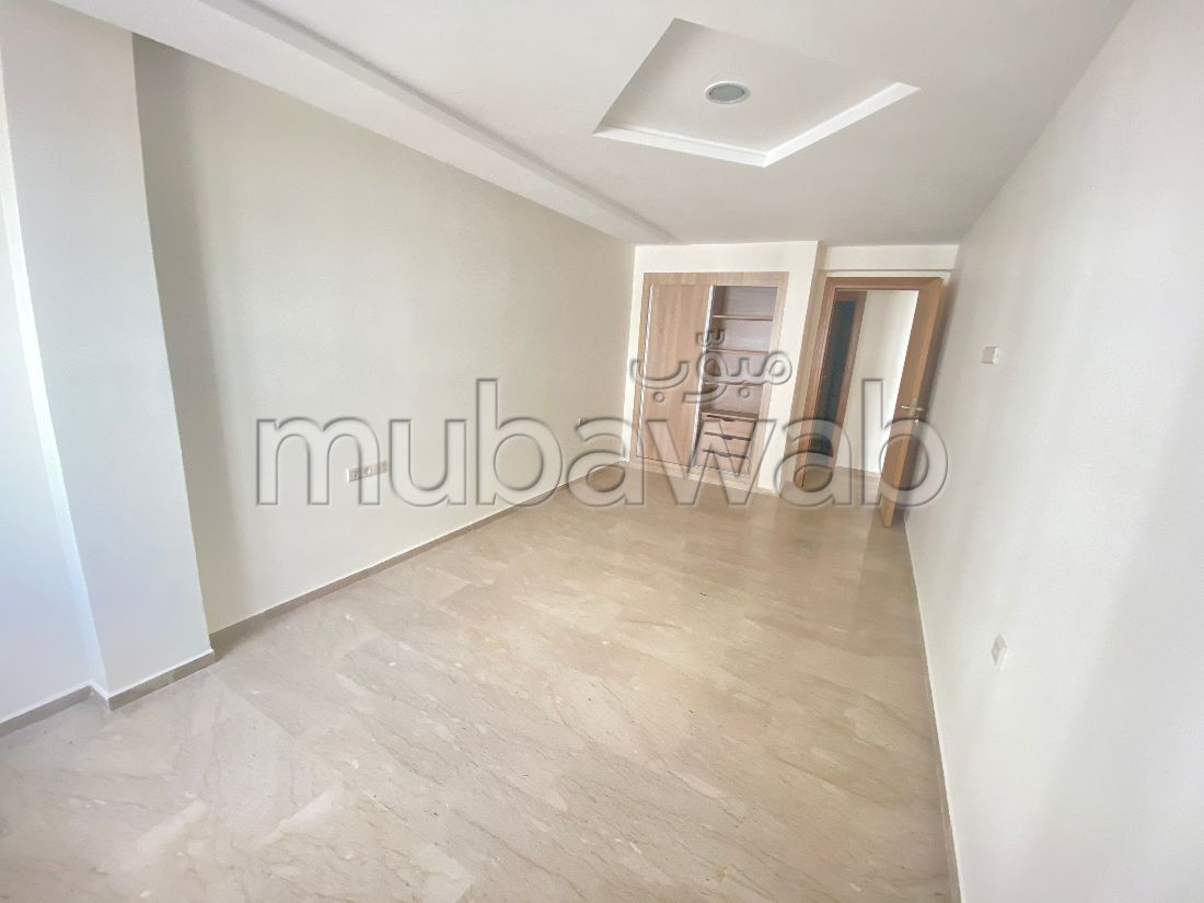 Bel appartement neuf 130m2 a founty 3chambre