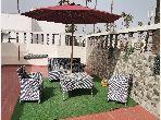 Étage de villa à 2 Mars avec une belle terrasse